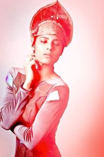 Uta Brauser, Armor hat and armature style dress photo Rocio