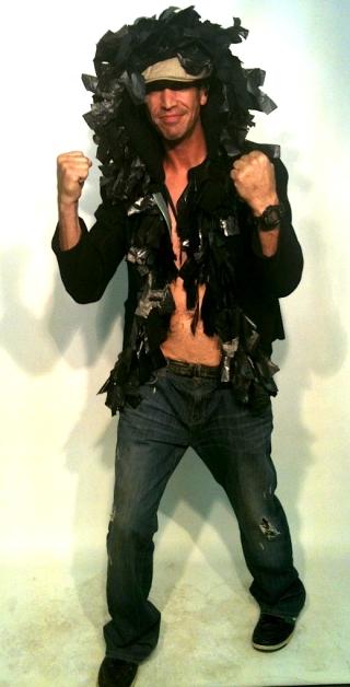 lee.black plasticjacket.fist